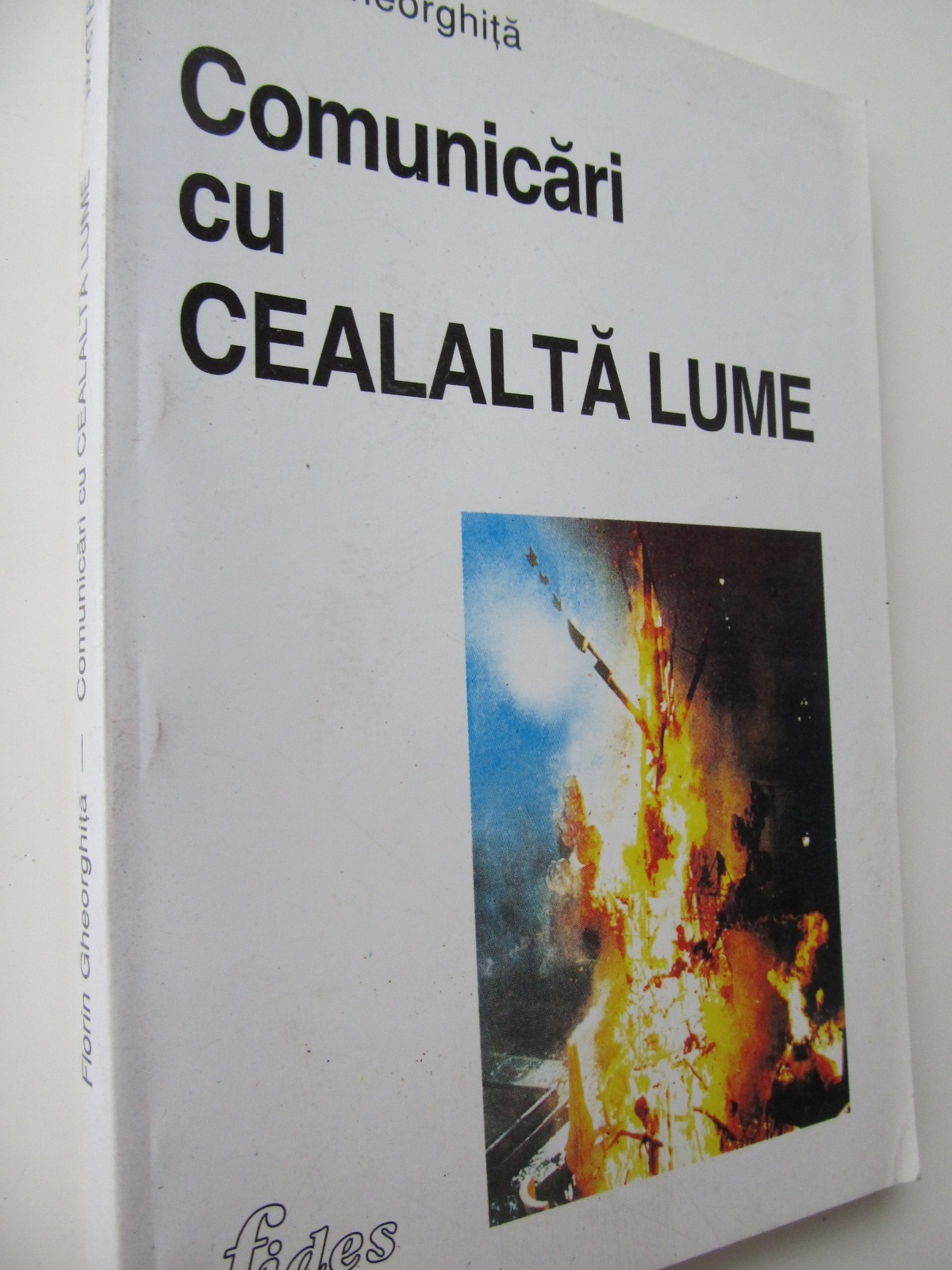 Carte Comunicari cu cealalta lume - Florin Gheorghita