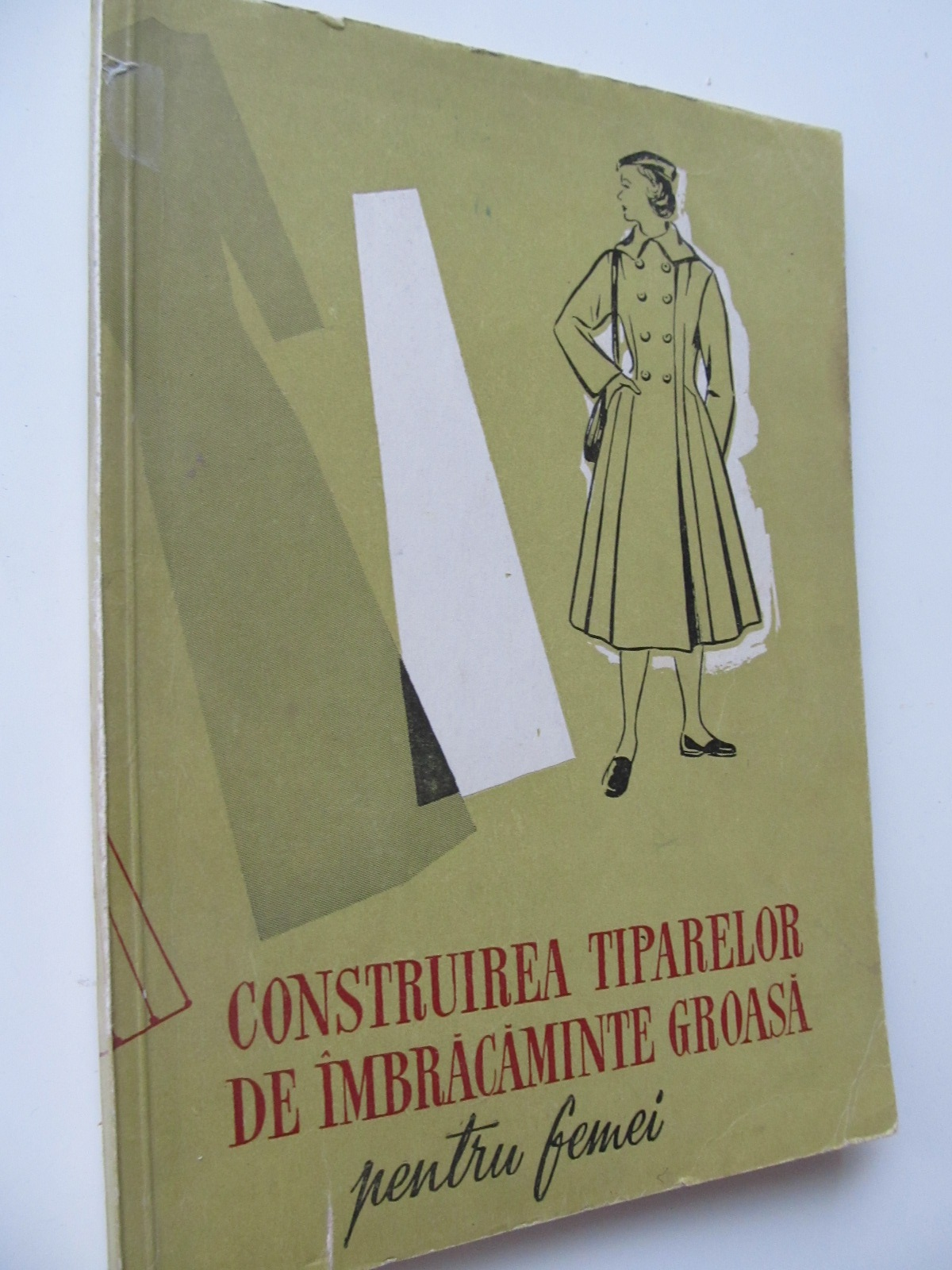Construirea tiparelor de imbracaminte groasa pentru femei - Waldner Herman   Detalii carte