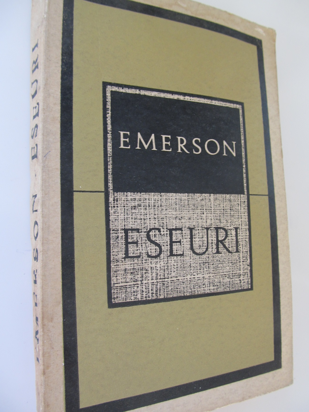 Eseuri - Ralph Waldo Emerson   Detalii carte