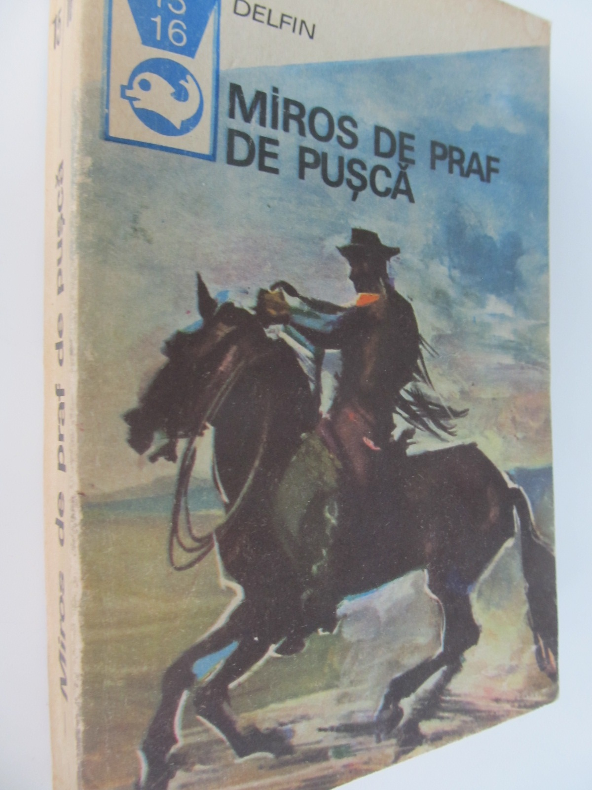 Miros de praf de pusca - Texte din literatura western - *** | Detalii carte