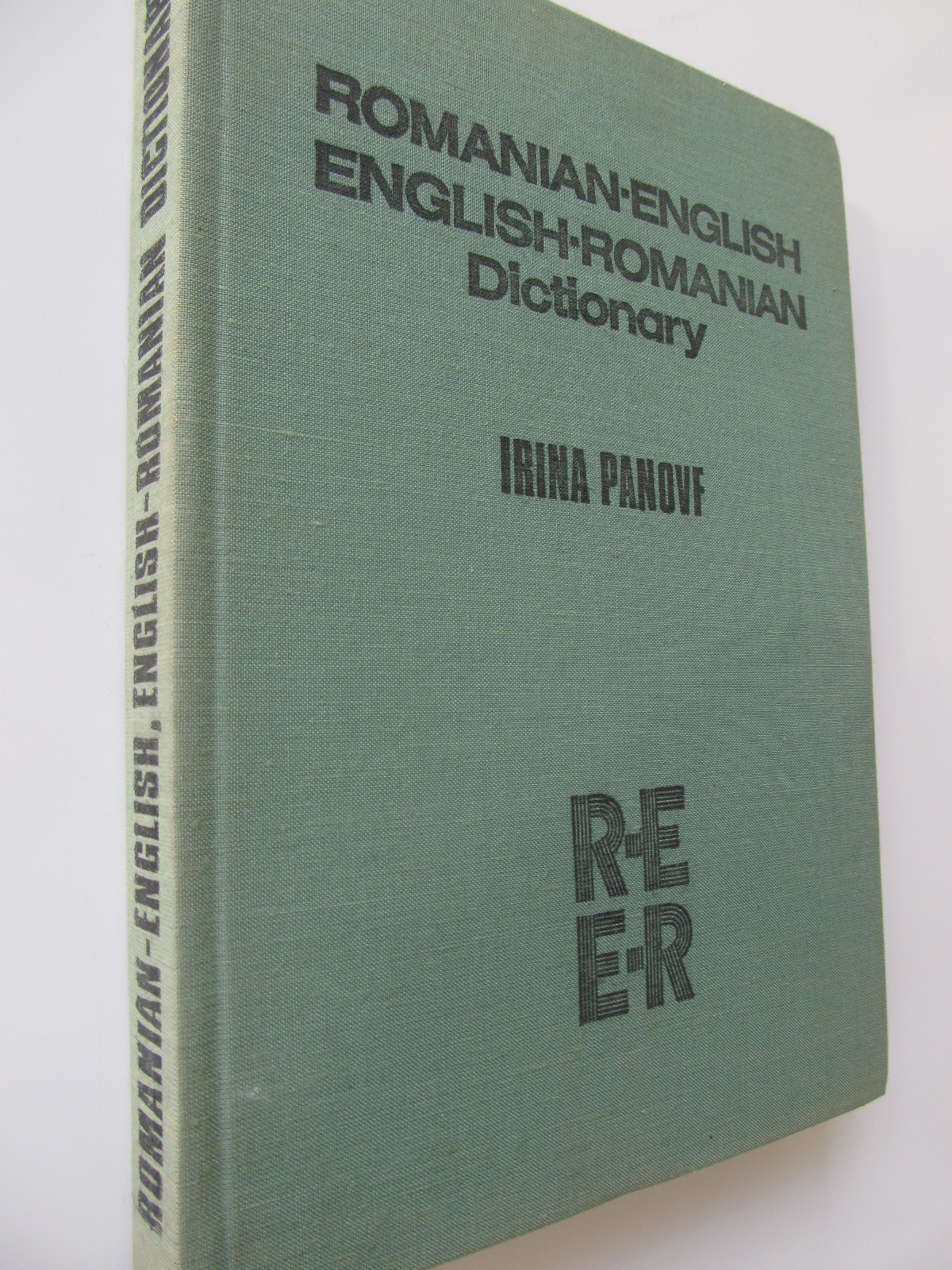 Romanian English , English Romanian Dictionary - Irina Panovf | Detalii carte