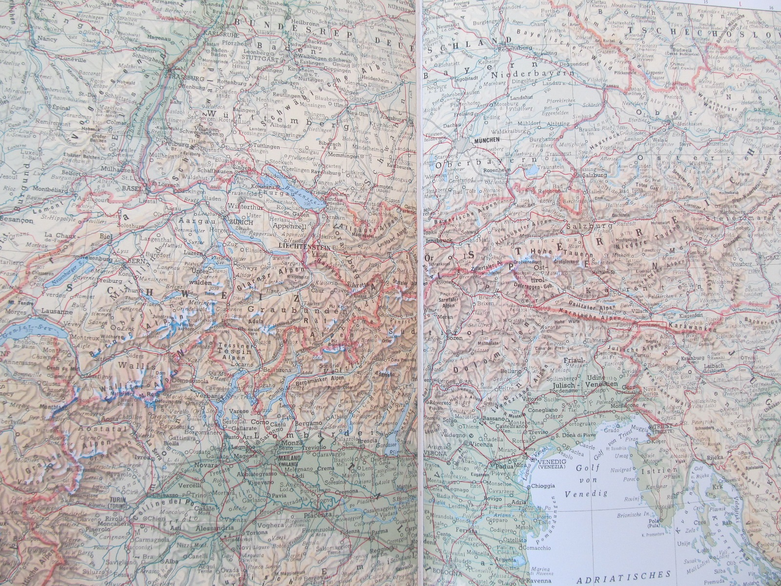 Carte Der grosse Kruger Weltatlas - ***